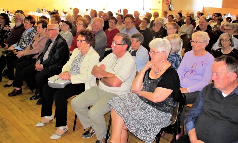 Traditionnellement, les adhérent(e)s se déplacent massivement à l'assemblée générale pour marquer leur attachement à leurs dirigeantes.