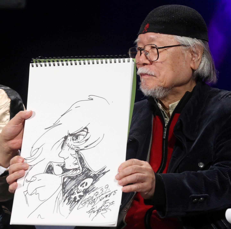 A 81 ans, Leiji Matsumoto, créateur d'Albator, n'a pas perdu son coup de crayon. Il a dessiné en liive différents de ses personnages culte, accompagné par un quatuor à cordes reprenant les thèmes de ses dessins animés.