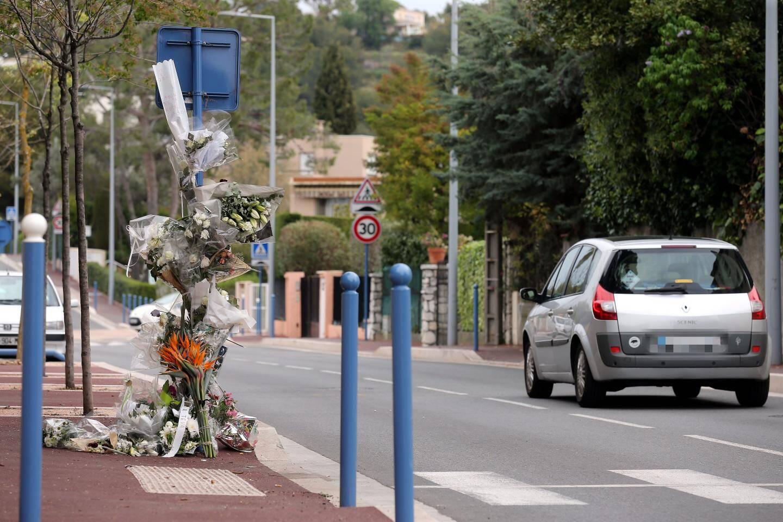 Une gerbe a été déposée à l'endroit de l'accident avenue des Tuilières à Cagnes.