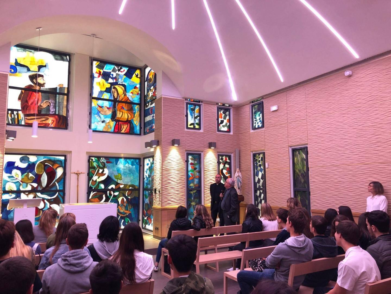 L'archevêque de Monaco était fier, hier, de présenter la nouvelle chapelle avec notamment les vitraux du maître verrier Arcabas.