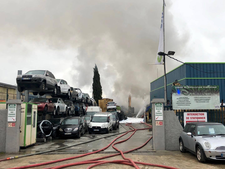 Le bâtiment de l'entreprise a été épargné.