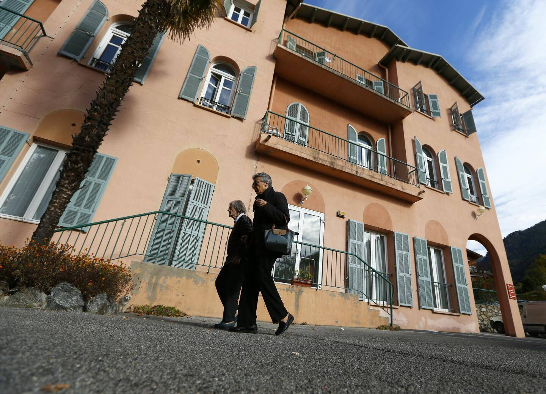 Le maire, Henri Giuge, assure qu'il ne « pinaille pas » et invoque des raisons financières pour le maintien des lits.