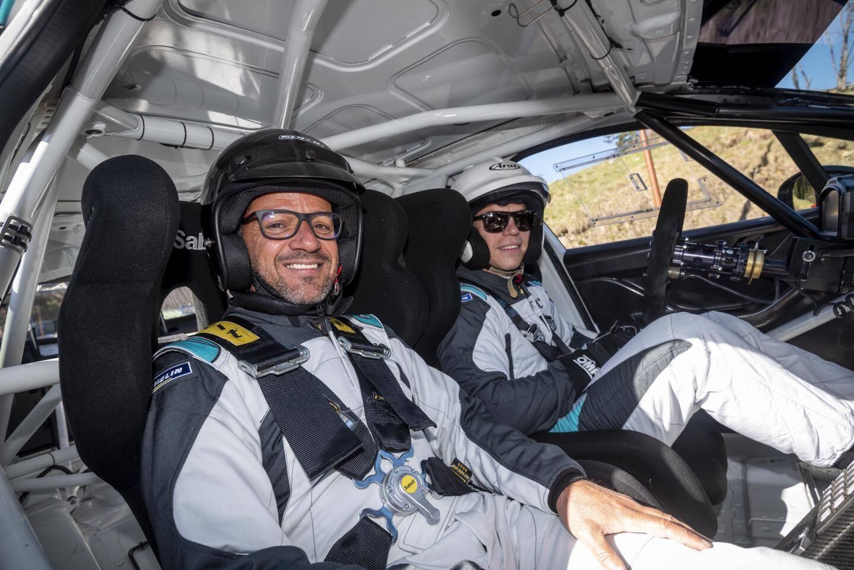 Le pilote professionnel et le copilote du dimanche.
