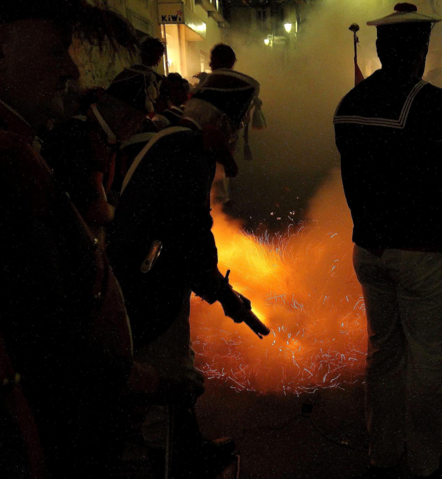 Au cœur de la nuit, l'explosion des derniers feux de la ferveur.