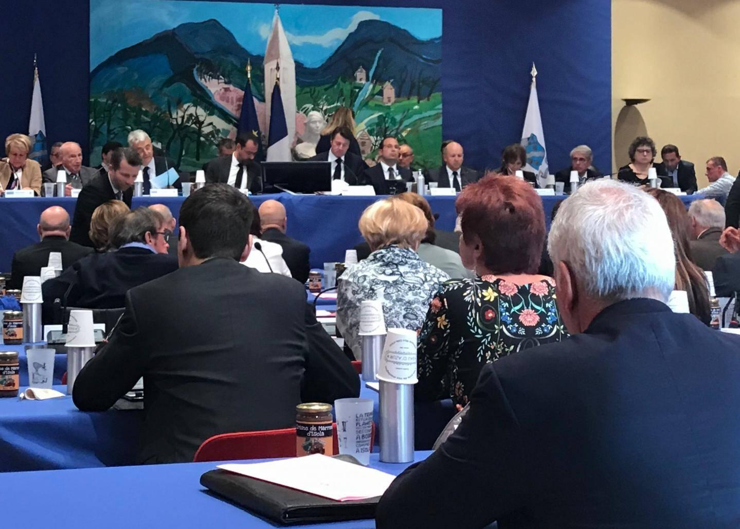 Pour la première fois depuis 2011 le conseil métropolitain ne s'est pas tenu à Nice, mais à Isola.