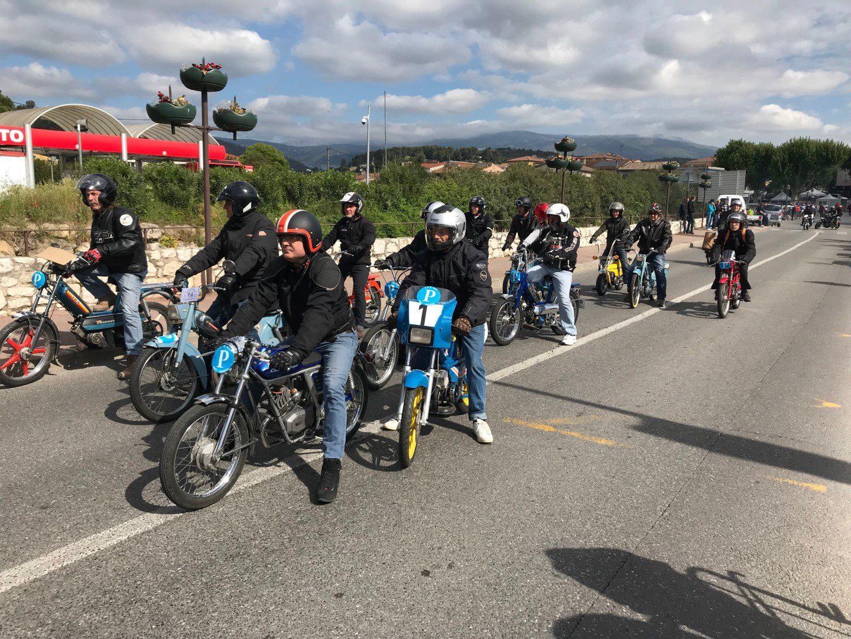 Près de 40 motos ont participé.