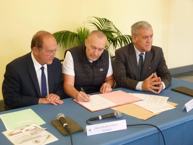 Les restaurants Tex-Mex La Pampa et Le Petit Port ainsi que de la résidence de tourisme Azureva, se sont engagés hier à réduire la quantité de déchets qu'ils produisent.