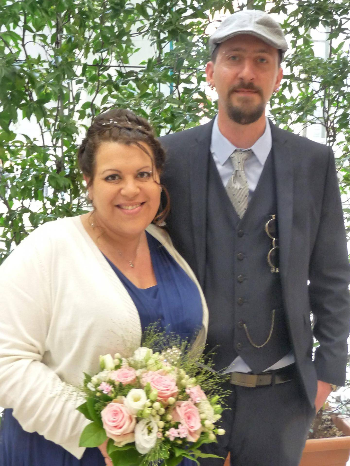 Stéphanie Placenti, vendeuse,  et Sébastien Drera, manager.