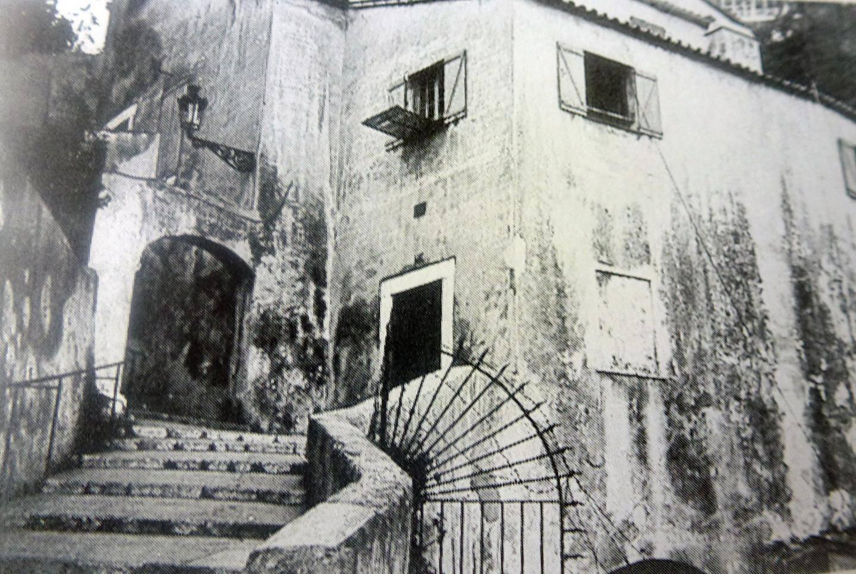 Le moulin de la Marra en contrebas de l'actuelle place des Moulins.