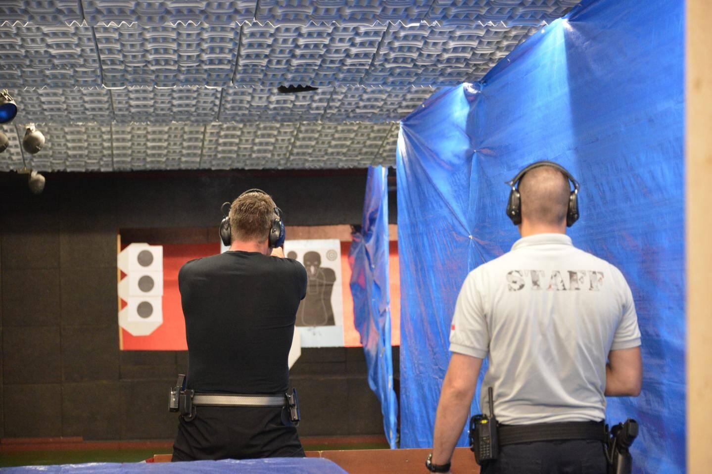 Au stand de tir Rainier-III, les agents disposent de plusieurs équipements pour s'entraîner, comme ici une salle dont le volume peut être modulé pour simuler un appartement.(PhotoCharly Gallo/DirCom)