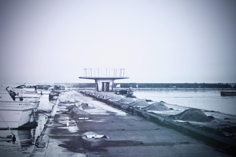 Hacina Amara, qui dirige à Nice une société de graphisme et de communication a monté cette exposition retraçant les étapes de la construction du port de La Napoule à la demande de la société du Yacht Club International de Mandelieu, gestionnaire du port.