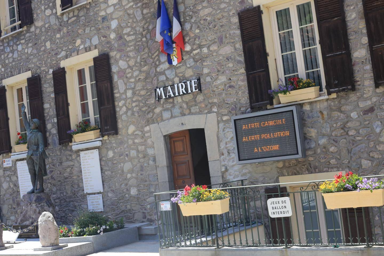 Saint-Sauveur-sur-Tinée, situé à 500 mètres d'altitude, fait régulièrement partie des communes les plus touchées par les fortes chaleurs.