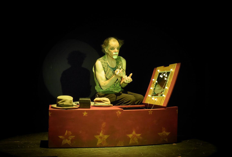 La pièce de théâtre Le sourire au pied de l'échelle se déroulera le mardi 21 janvier prochain à partir de 20h30. Un spectacle fascinant.