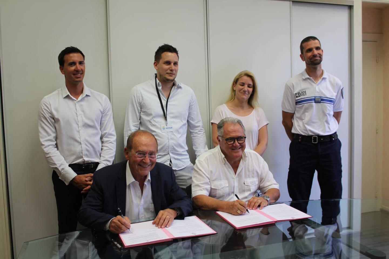 La mairie et les représentants des restaurateurs ont élaboré ensemble cette charte.
