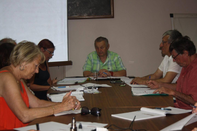 Le conseil municipal réunit autour du maire, Joël Gosse.(DR)