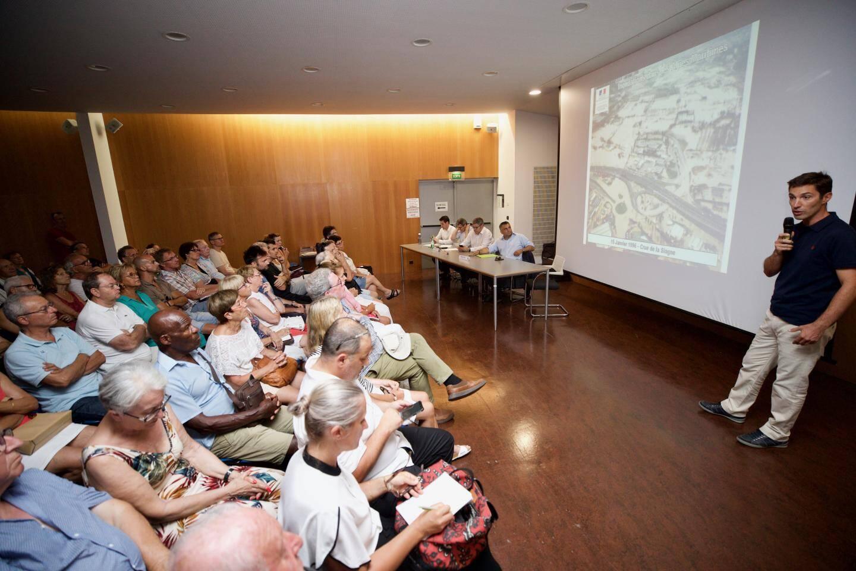 Lors de la récente réunion publique de présentation du PPRI par les services de l'Etat, en présence du maire Sébastien Leroy.