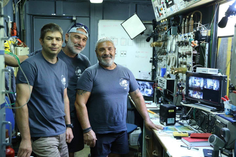 Théo Mavrostamos et ses collègues de l'INPP sont chargé de contrôler et maintenir les conditions atmosphériques à l'intérieur du caisson.