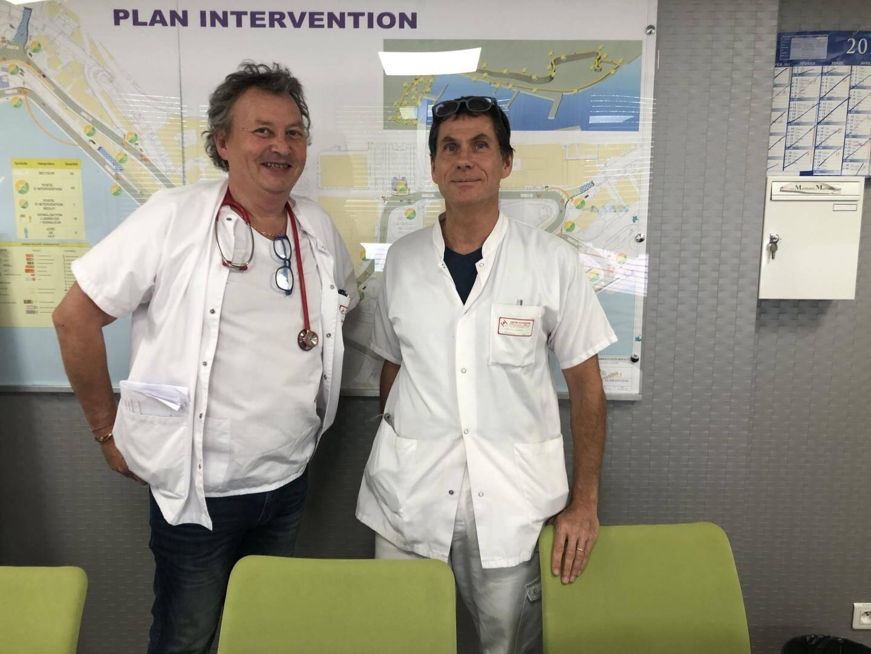 Le docteur Frédéric Brod, chef de service adjoint des urgences du centre hospitalier Princesse Grace et le professeur Yann-Erick Claessens, chef de service des urgences.