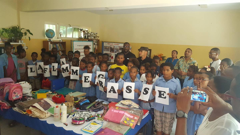 Entre mars et avril 2016, La Flamme a récolté produits médicaux, scolaires et sportifs à destination des habitants d'Assomada au Cap-Vert. Qui n'ont, d'ailleurs, pas manqué de remercier leurs généreux donateurs.(DR)
