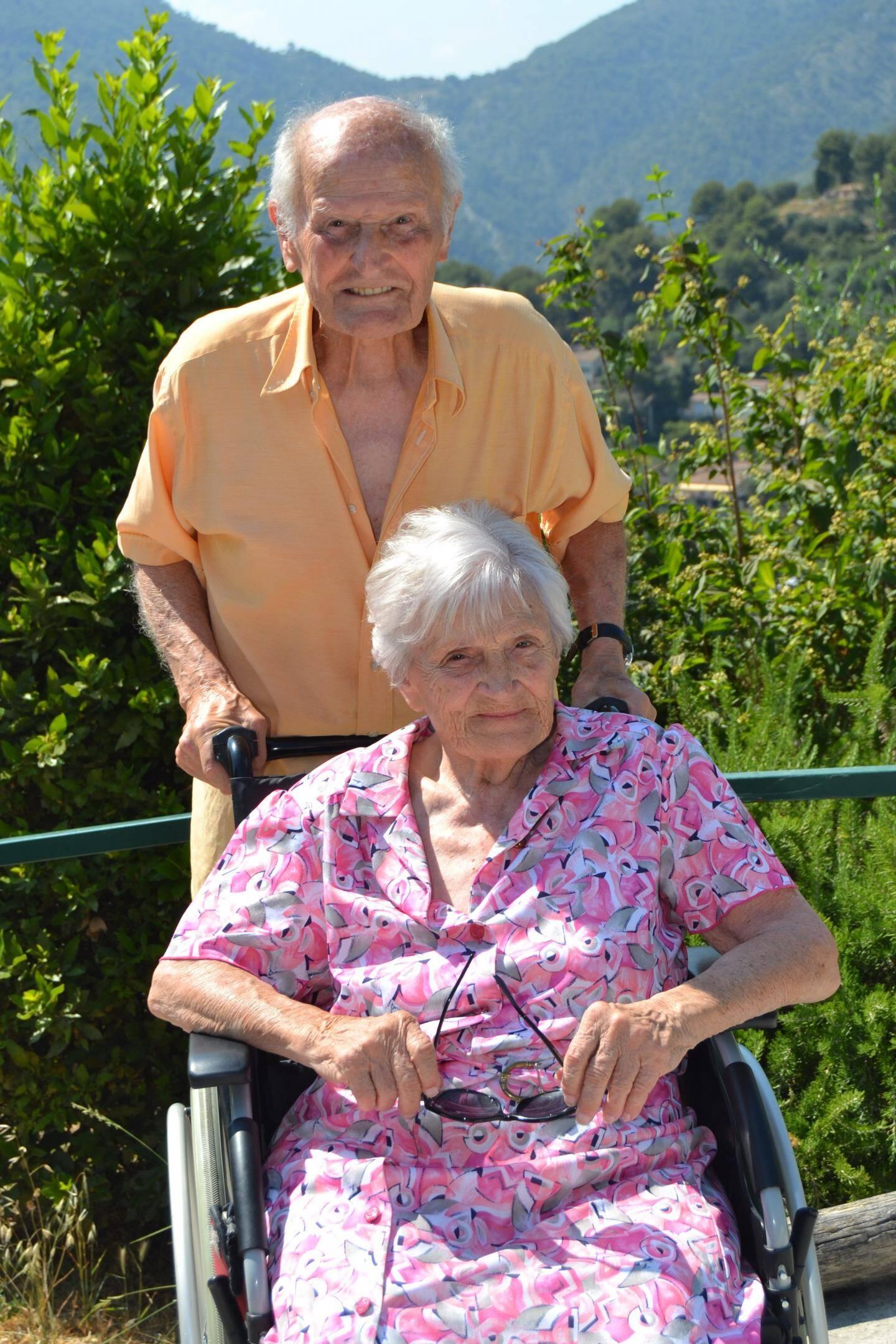 Charly et Josie, avec qui il se remariera le 17 décembre prochain pour fêter leurs 70 ans de mariage.