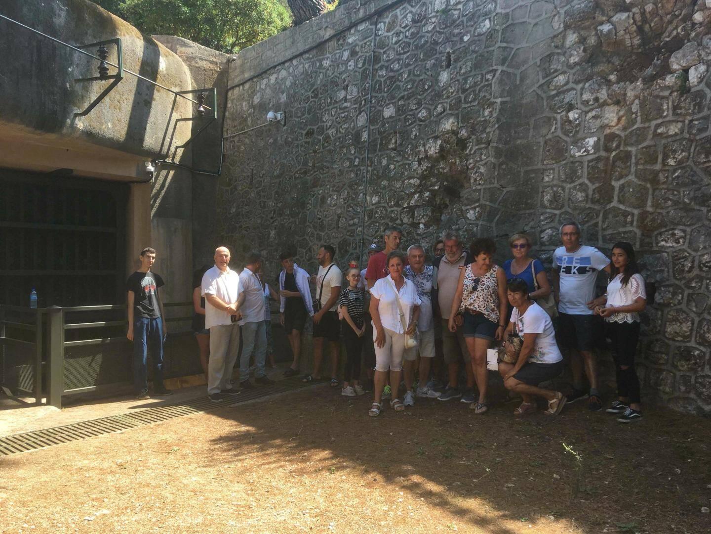 La vingtaine de visiteurs du jour a à l'unanimité félicité les guides après plus de deux heures d'explications.