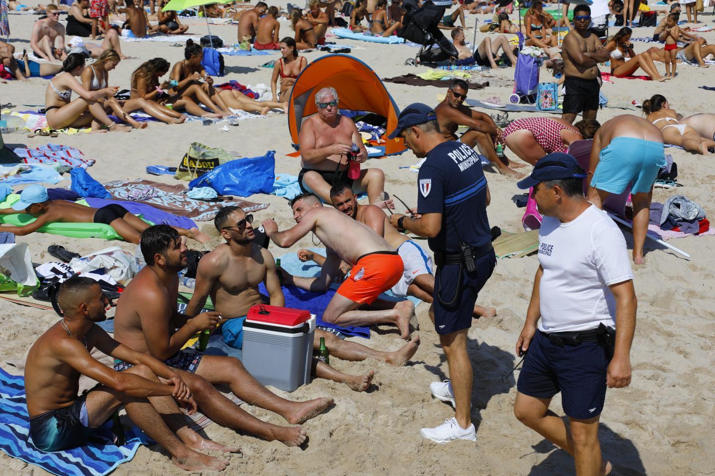 Rappel de ce que dit la loi : l'alcool est interdit sur le sable