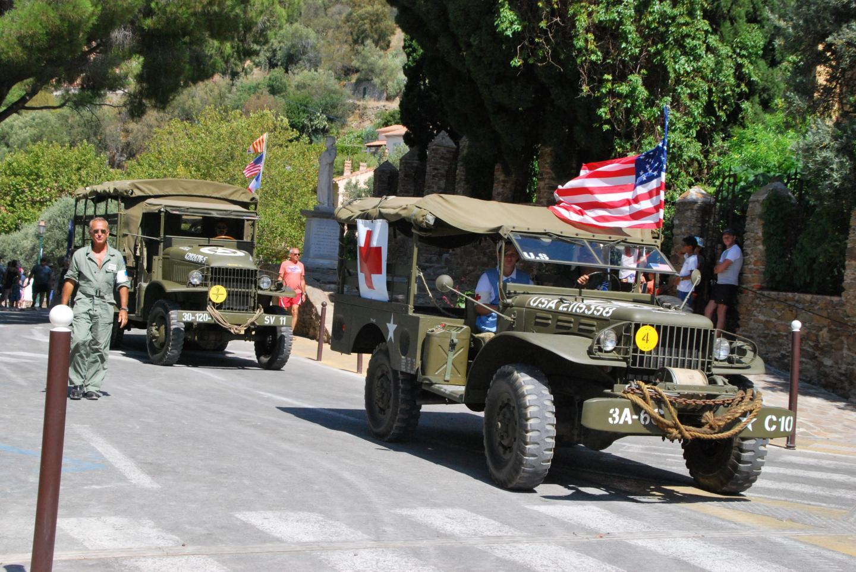 Les véhicules militaires ont défilé dans les différents quartiers de la commune.