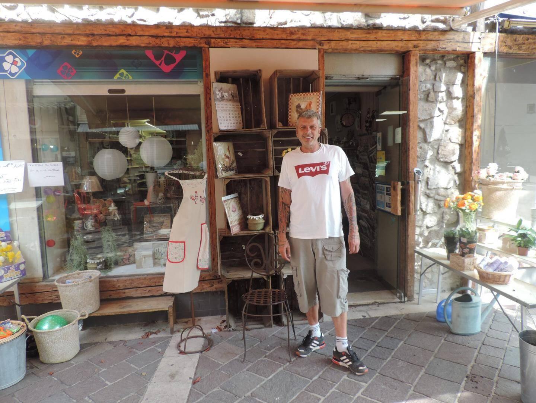 Dominique Vasseur a étendu son activité à un magasin de mode.