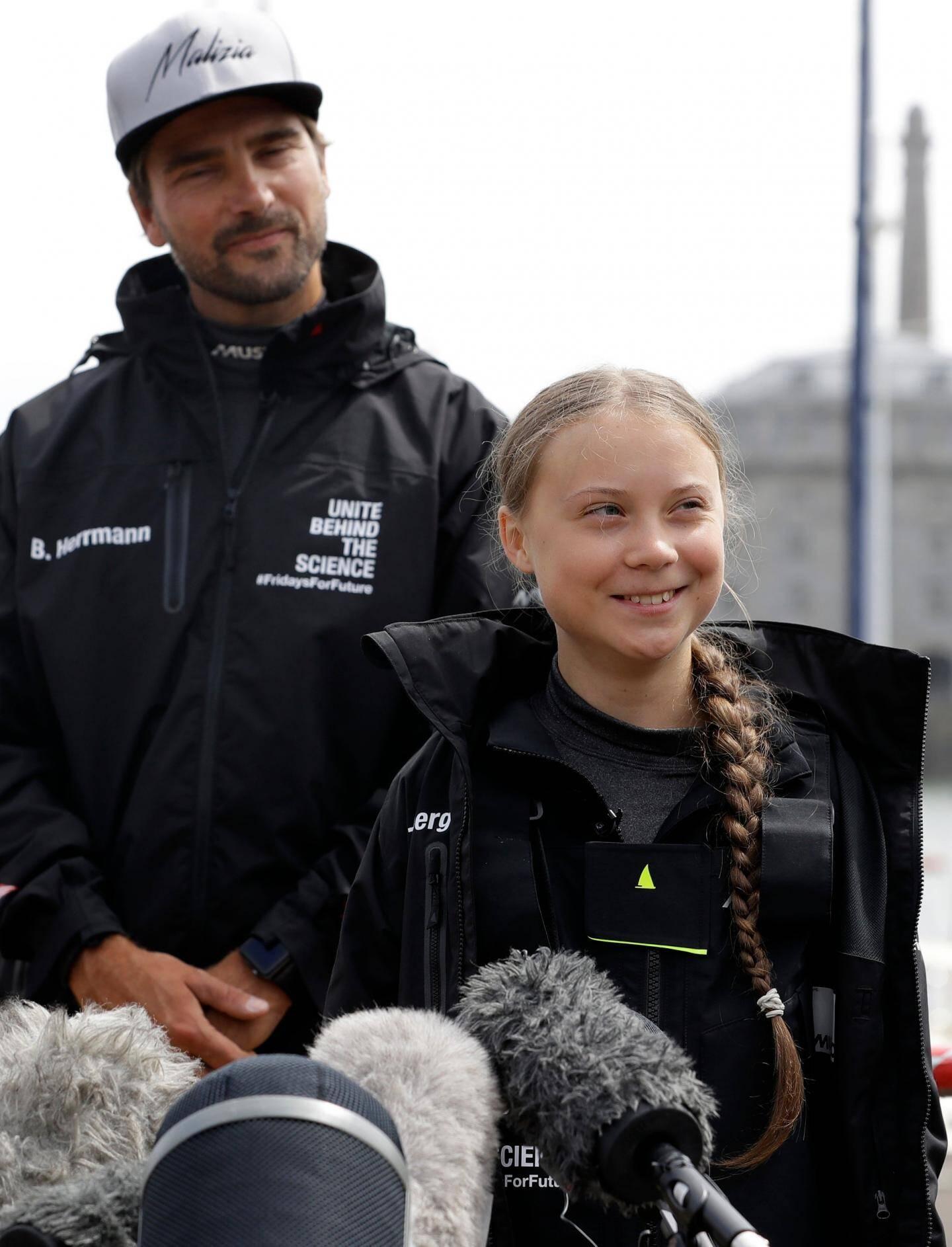 Greta Thunberg et Boris Herrmann, mercredi après-midi, avant de lever les voiles.