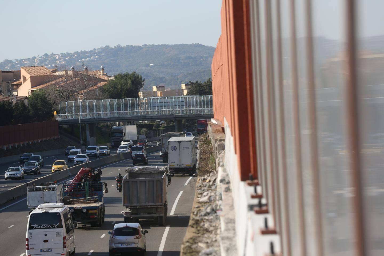 Le trafic routier, l'une des principales causes du bruit.