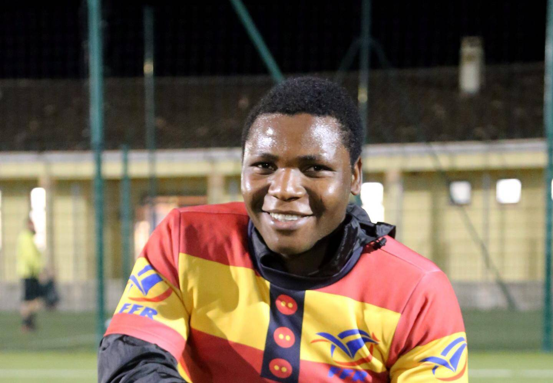 Depuis son arrivée à Saint-Maximin il y a deux ans, Destiny Onuoha s'est intégré grâce au rugby. Il souhaite rester en centre Var où il a reçu des offres d'emploi auxquelles il ne peut répondre, faute de papiers.