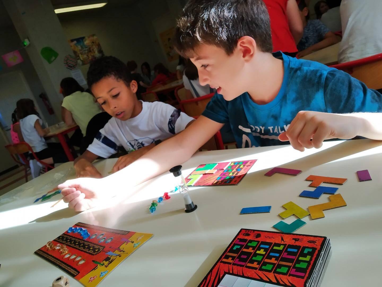Des formes géométriques, des nombres, un sablier… Tout est réuni pour apprendre les maths en s'amusant !