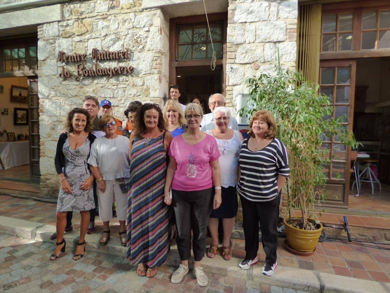 L'équipe actuelle du centre culturel « La Boulangerie », au vieux village, le premier jour de l'exposition. Un rendez-vous à découvrir jusqu'à dimanche prochain.