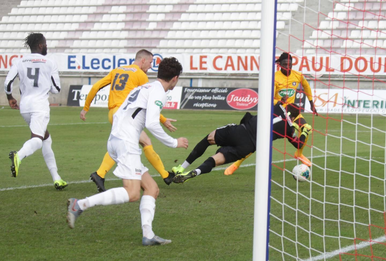 Preira et Toulon ont coulé à pic à Cannes (3-0).