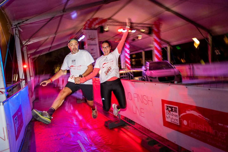 La course a rassemblé 2654 participants, dans la bonne humeur, même de nuit pour les rares coureurs nocturnes. Ensemble, ils ont couru pour les enfants qui doivent subir des examens médicaux invasifs.