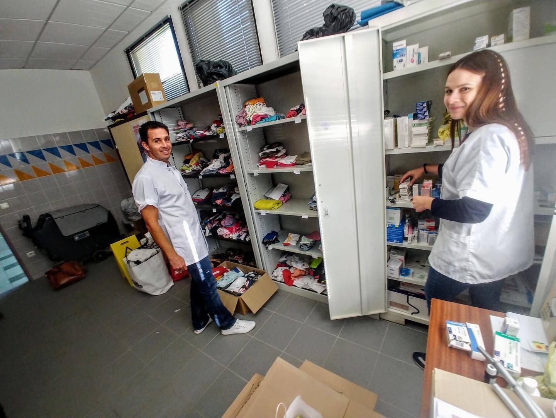 Émilie, Damien, et les autres, ont déjà collecté 500 lots de vêtements. Ils sont toujours à la recherche de médicaments en tous genres, lesquels seront distribués sur place.