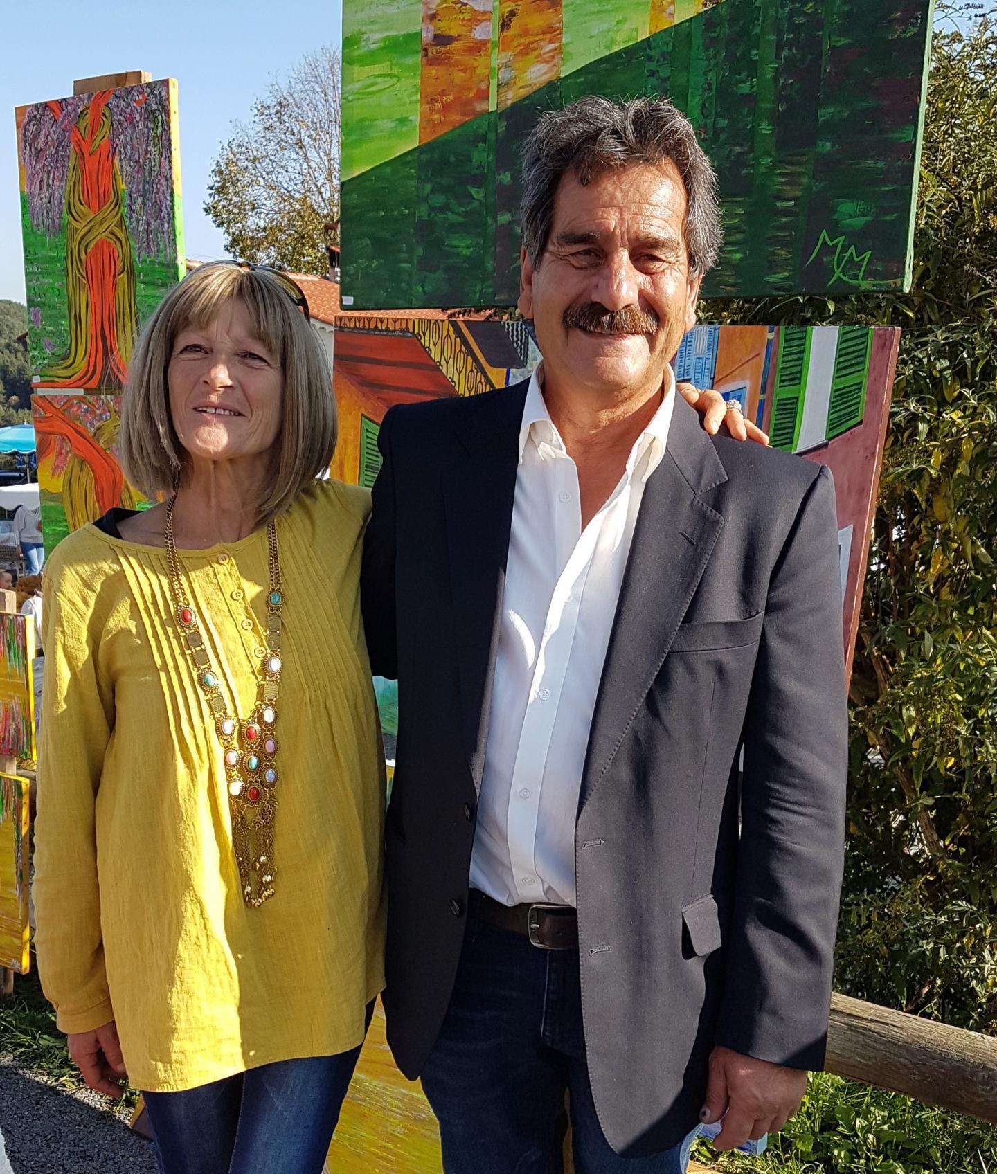 Le maire, Sauveur Patricola, et Murielle Montanucci « Mumu  » artiste peintre exposante. (Ph. A. D.)