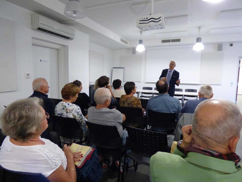 Une vingtaine de Cagnois ont participé au lancement du débat sur l'environnement en débattant parfois très franchement avec le maire.