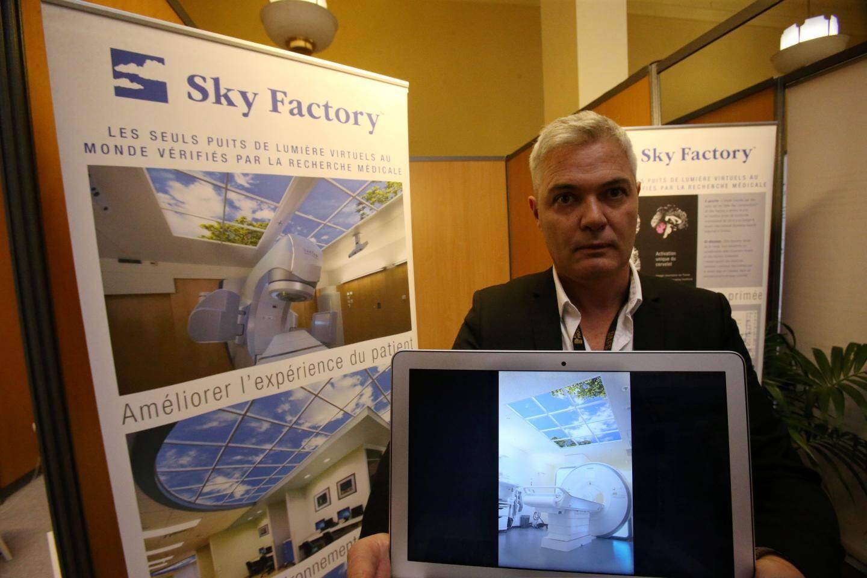 Sky Factory réalise des panneaux lumineux qui, installés dans les faux plafonds, créent l'illusion optique du ciel.