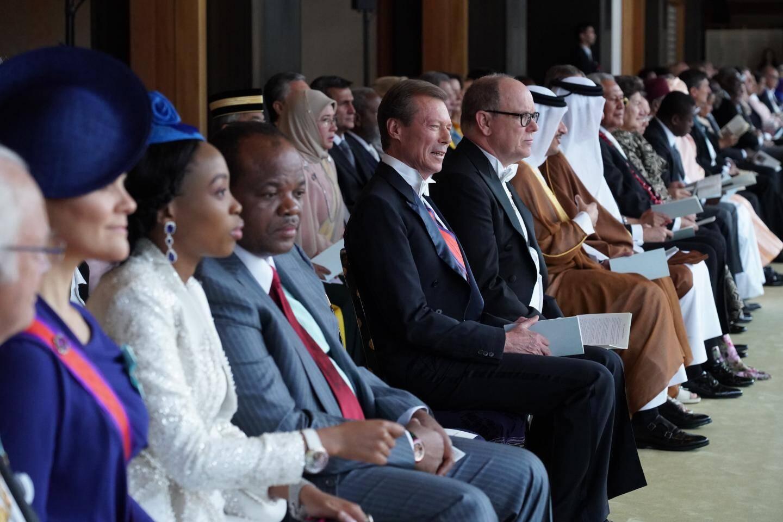 Au cours de la cérémonie, le prince Albert II était aux côtés du grand-duc Henri de Luxembourg.