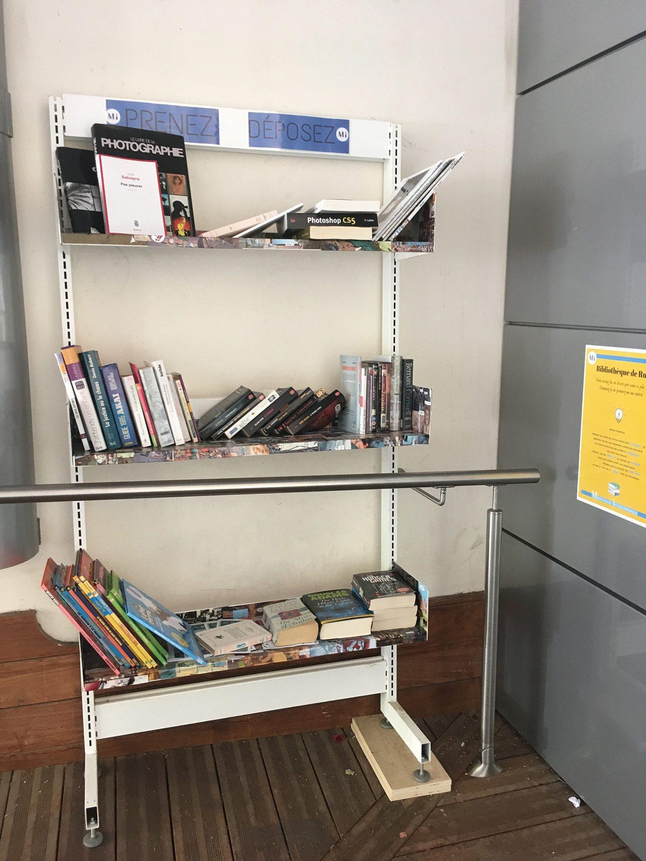 La Bibliothèque de rue se trouve au 104 avenue du 3-Septembre.