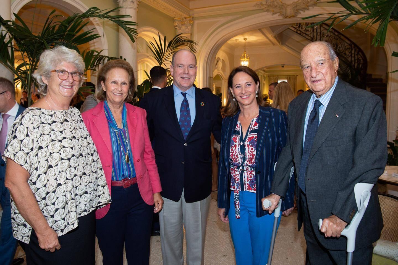 Le 26 septembre, à l'Hôtel Hermitage, autour du Prince Albert II : Sandra Braggiotti, Patricia Husson, Ségolène Royal et Enrico Braggiotti.