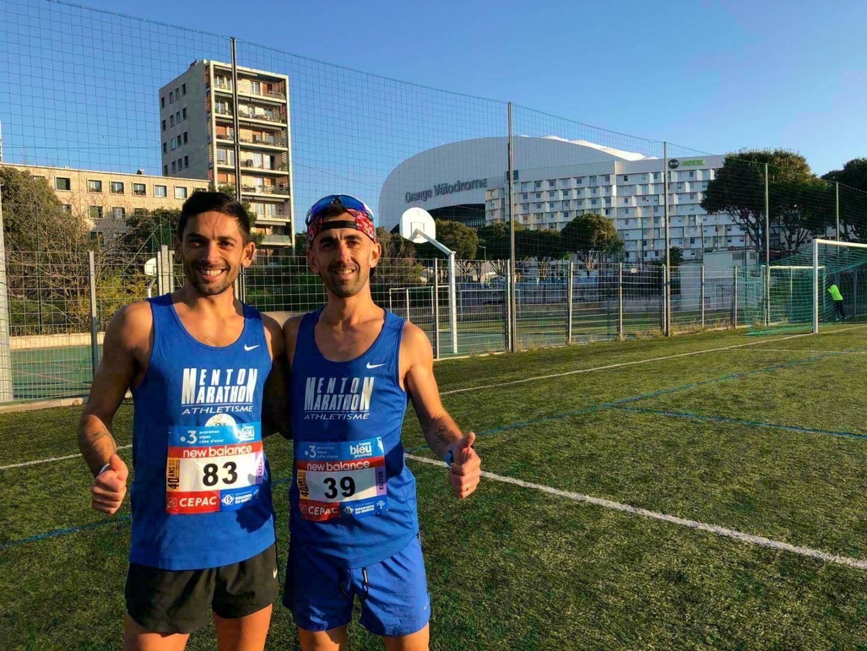 Cédric Gilles et Gilles Rubio avant le départ de Marseille-Cassis devant le stade vélodrome.(DR)