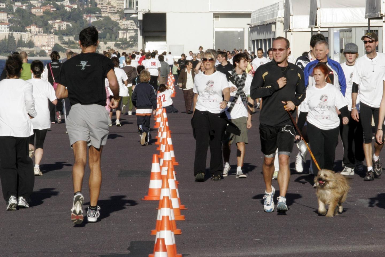 En 2000, les premières installations de la course, sur le quai Kennedy, sont plutôt sommaires.(DR)