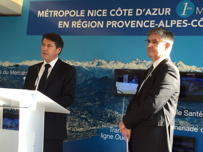 Guillaume Denoix de Saint-Marc, président de l'Association française des victimes du terrorisme, aux côtés de Christian Estrosi, mercredi, à Paris.
