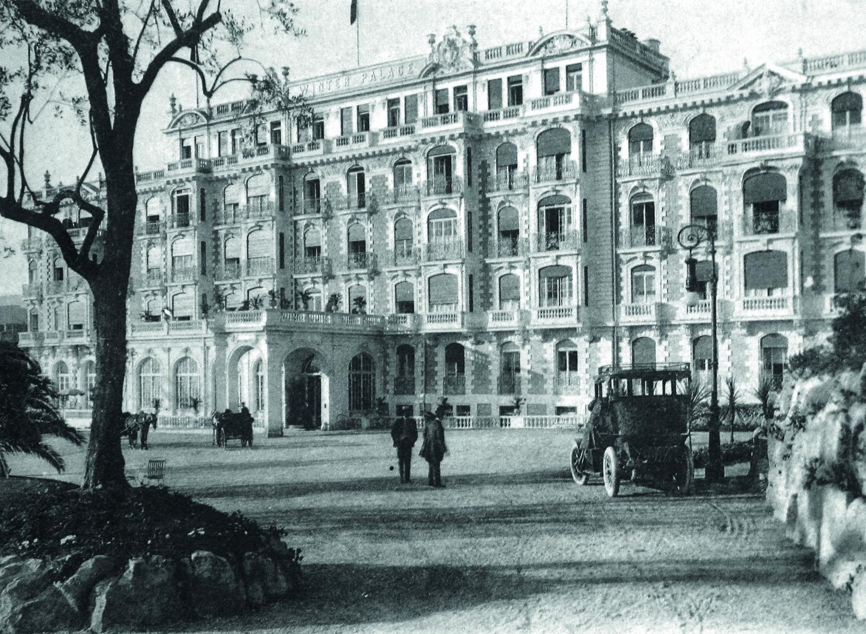 Winter Palace Hôtel, inspiration néo-Louis XIII pour hivernants de grand luxe.