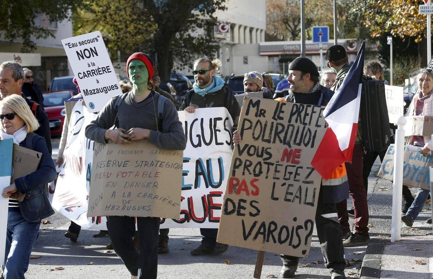 Les opposants à la carrière de Mazaugues déterminés à alerter les citoyens sur les risques encourus.