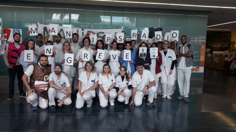 Les manipulateurs du services de radiologie de l'hôpital de Cannes en grève.