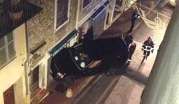 Le Range Rover s'est encastré dans la petite boutique de l'artisan, rue de la Tourraque à Antibes.