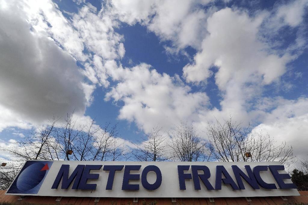 """La """"vigilance météo"""", créée après les tempêtes de 1999, a évolué à grande vitesse et n'est """"plus dans le même monde"""" vingt ans après, explique François Lalaurette, directeur des opérations à Météo-France"""